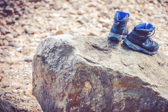 caratteristiche scarponi trekking