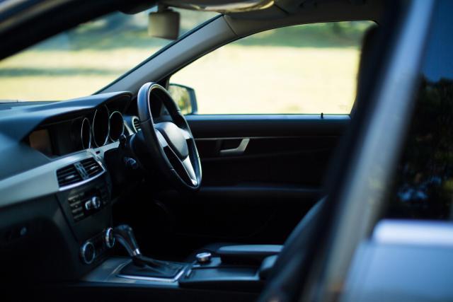 come scegliere aspirapolvere da auto