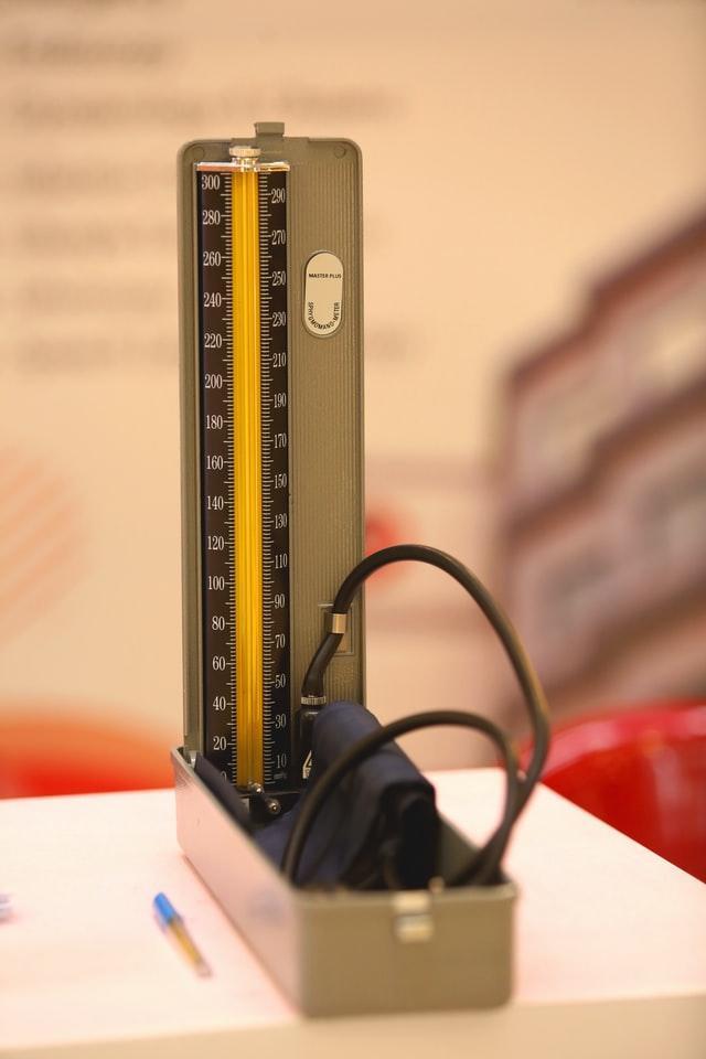 misuratore di pressione tradizionale, aperto