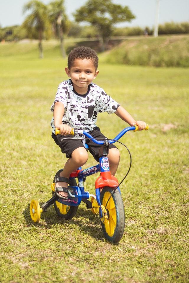 prendersi cura triciclo bambini
