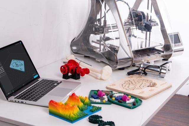stampante 3d, computer e oggetti