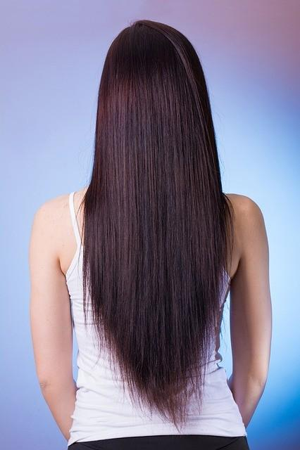 lunghi capelli lisci di donna